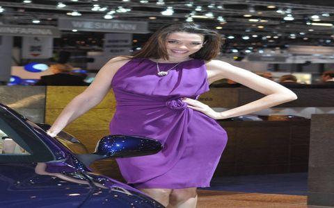 Dress, Automotive design, Purple, Fender, One-piece garment, Electric blue, Fashion, Cocktail dress, Cobalt blue, Model,