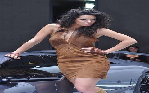 Hair, Face, Automotive design, Hairstyle, Human body, Shoulder, Dress, Human leg, Car, High heels,