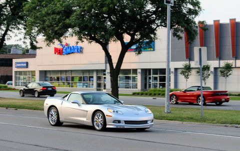 A new-ish breed C6 Chevy Corvette.