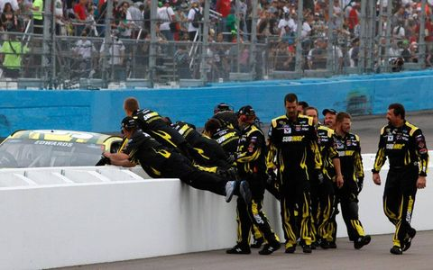 Carl Edwards' crew gets in on the celebration at Phoenix.