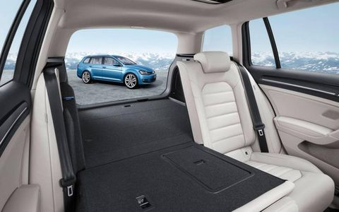 The split rear folding seat has been redesigned to be more practical and easier to use.