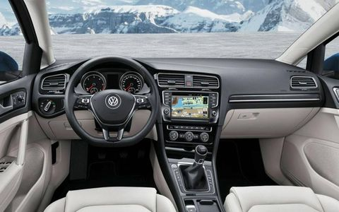 The infotainment system is available with three different display sizes: 5, 5.8 and 8 inches.