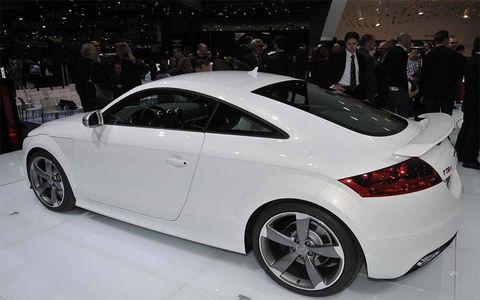 Wheel, Tire, Automotive design, Vehicle, Event, Land vehicle, Car, Alloy wheel, Fender, Rim,