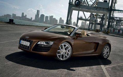 AW Flash Drive: 2011 Audi R8 Spyder