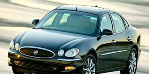 Mode of transport, Vehicle, Transport, Yellow, Land vehicle, Hood, Automotive design, Automotive parking light, Automotive mirror, Car,