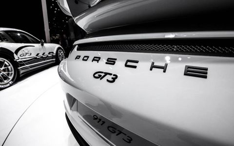 Motor vehicle, Automotive design, Automotive exterior, Automotive lighting, Car, Personal luxury car, Alloy wheel, Automotive parking light, Luxury vehicle, Bumper,