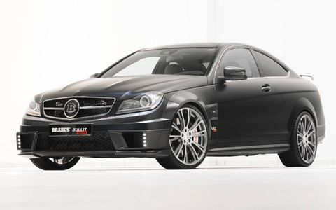 Monoblock wheels are included in the Brabus pack.