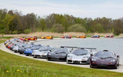 Vehicle, Automotive parking light, Land vehicle, Car, Performance car, Automotive mirror, Sports car, Luxury vehicle, Personal luxury car, Supercar,