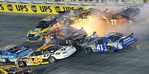 Tire, Wheel, Vehicle, Land vehicle, Motorsport, Car, Touring car racing, Race car, Automotive tire, Racing,