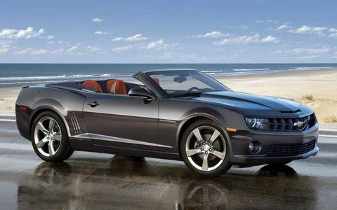 Tire, Wheel, Automotive design, Automotive tire, Vehicle, Automotive exterior, Hood, Rim, Headlamp, Automotive lighting,