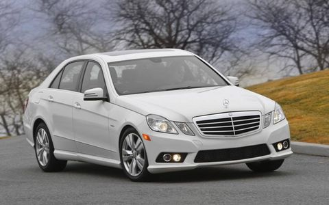 With a 3.0-liter V6 turbocharged diesel engine the 2013 Mercedes-Benz E350 Bluetec produces 210 hp and 400 lb-ft of torque.