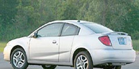 Tire, Wheel, Motor vehicle, Mode of transport, Automotive design, Nature, Automotive tire, Road, Vehicle, Alloy wheel,