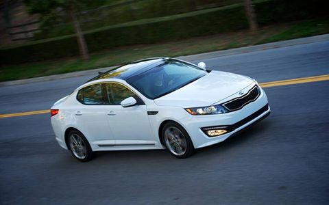 Fuel economy numbers for the 2013 Kia Optima SXL is rated at 22 mpg in the city and 34 on the highway.