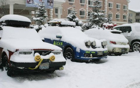 During a break, snow accumulates on the entrants.