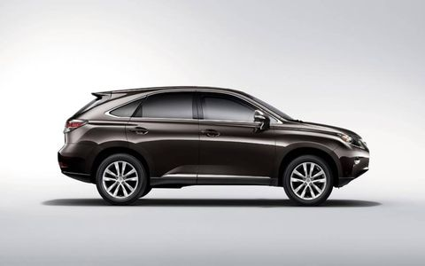 The suspension on 2013 Lexus RX350 F Sport handles the road well with notable quirks rounding corners.