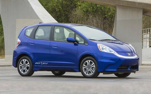 The exterior design of the 2013 Honda Fit EV looks identical to the regular Honda Fit.
