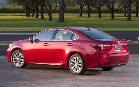 The hybrid 2013 Lexus ES 300h receives an EPA estimated 40 mpg in the city and 39 mpg on the highway.