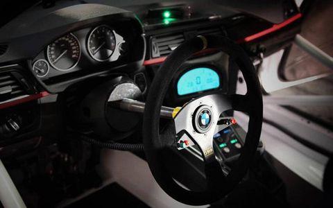 Speedometer, Steering part, Steering wheel, Gauge, Tachometer, Trip computer, Measuring instrument, Odometer, Fuel gauge, Machine,