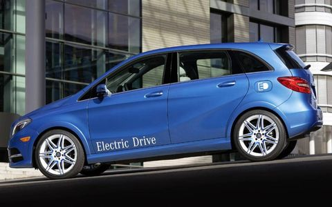 A side view of the 2014 Mercedes-Benz B-class Electric Drive.