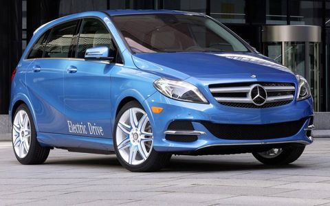 A front view of the 2014 Mercedes-Benz B-class Electric Drive.