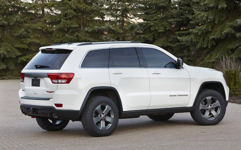 The Trailhawk sits on off-road tires with five-spoke wheels.