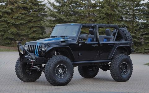 The Apache is lifted 4.5 inches with a Stage 3 long arm lift kit.