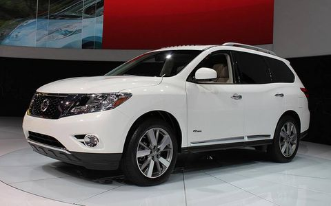 The Nissan Pathfinder hybrid debuted at the New York auto show.