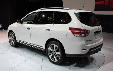 The hybrid version of the seven-passenger Nissan Pathfinder.