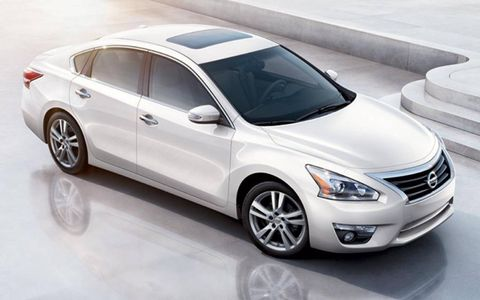 An overhead view of the 2013 Nissan Altima.