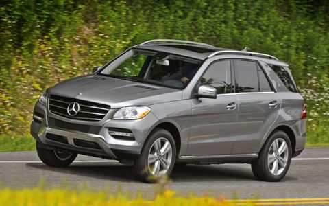 The air ride suspension on the 2013 Mercedes-Benz ML350 4Matic allows the vehicle to navigate many different terrains.
