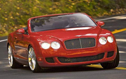 Automotive design, Bentley, Road, Car, Grille, Automotive mirror, Luxury vehicle, Performance car, Automotive lighting, Rim,