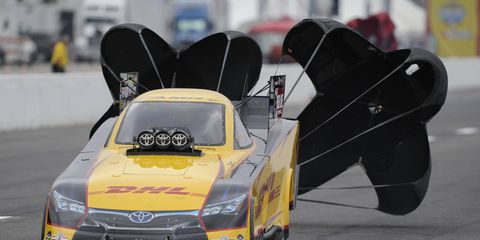 Del Worsham heads to Texas leading the NHRA Funny Car points race.