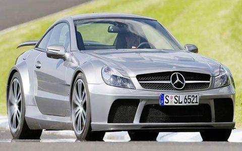 Wheel, Mode of transport, Automotive design, Vehicle, Alloy wheel, Rim, Car, Hood, Mercedes-benz, Personal luxury car,