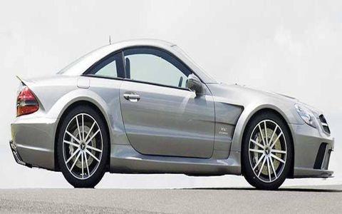 Tire, Wheel, Automotive design, Alloy wheel, Spoke, Automotive tire, Vehicle, Rim, Window, Transport,
