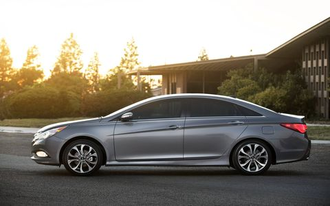 The 2014 Sonata's worst feature is probably its electronic power steering, which left our editors guess all to often.