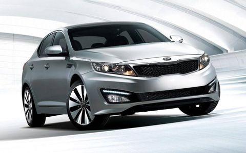 Tire, Wheel, Automotive design, Product, Vehicle, Land vehicle, Automotive lighting, Headlamp, Car, Glass,