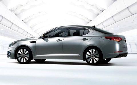 Tire, Wheel, Mode of transport, Automotive design, Vehicle, Land vehicle, Transport, Alloy wheel, Rim, Car,
