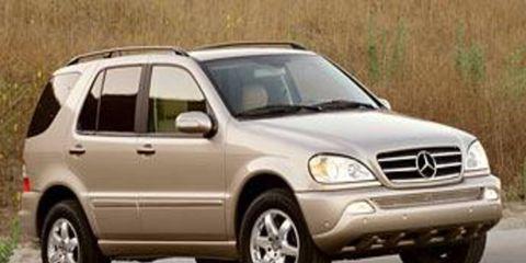 Tire, Wheel, Motor vehicle, Mode of transport, Automotive tire, Automotive design, Transport, Vehicle, Land vehicle, Car,