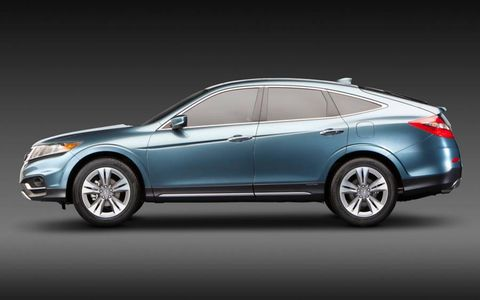 A side view of the Honda Crosstour concept.