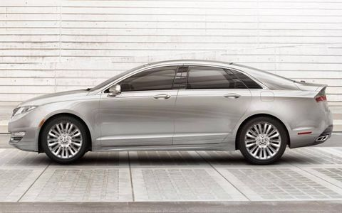 A side view of the 2013 Lincoln MKZ.