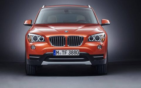 The grille of the 2013 BMW X1.