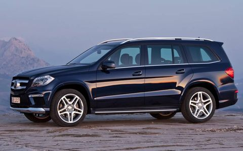A side view of the 2013 Mercedes-Benz GL.