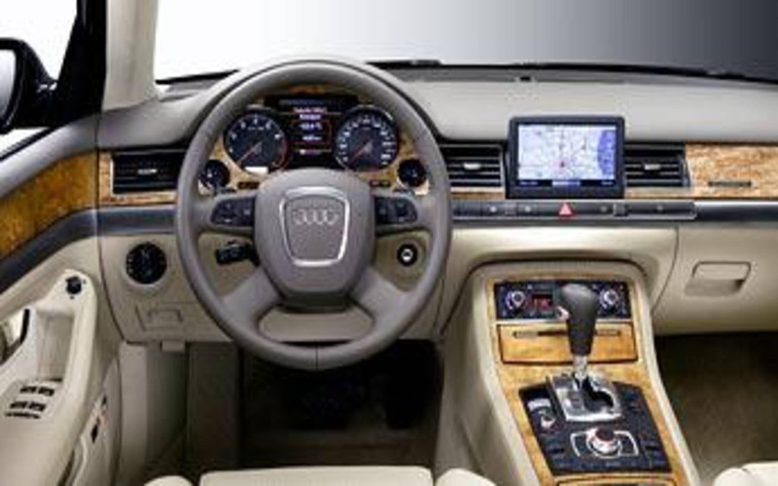 Kelebihan Audi A8 2005 Review