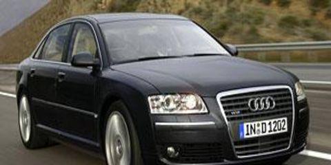 Tire, Motor vehicle, Mode of transport, Automotive mirror, Automotive design, Transport, Vehicle, Road, Automotive lighting, Headlamp,