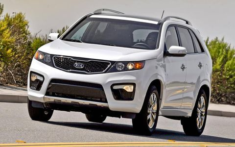 The 2013 Kia Sorento is powered by a 3.5-liter V6 making 276 hp and 248 lb-ft of torque.