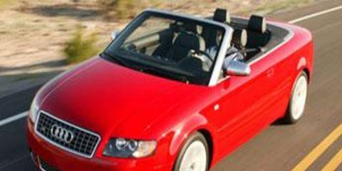 Tire, Motor vehicle, Wheel, Automotive mirror, Mode of transport, Automotive design, Road, Vehicle, Transport, Hood,