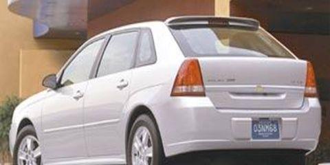 Tire, Wheel, Motor vehicle, Mode of transport, Automotive tire, Automotive design, Transport, Vehicle, Land vehicle, Automotive exterior,