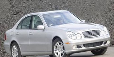 Tire, Wheel, Mode of transport, Vehicle, Hood, Alloy wheel, Rim, Headlamp, Spoke, Automotive lighting,