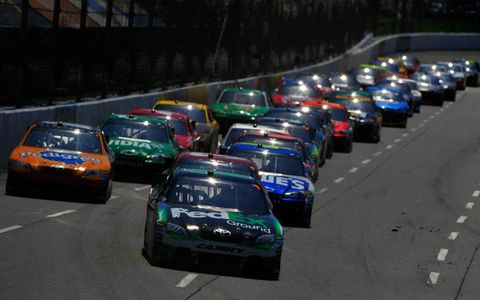 Denny Hamlin leads the field. Photo by: LAT South