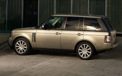 Tire, Wheel, Automotive design, Vehicle, Automotive tire, Land vehicle, Automotive parking light, Car, Rim, Alloy wheel,